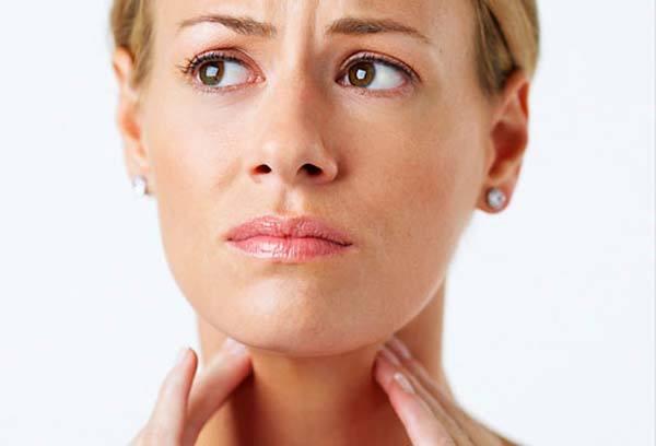 Спазм гортани у взрослых: причины, симптомы и лечение