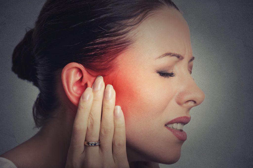 Болит ухо: Что Делать Взрослому в домашних условиях, как лечить