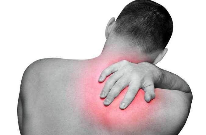 Боли в позвоночнике в области лопаток врач